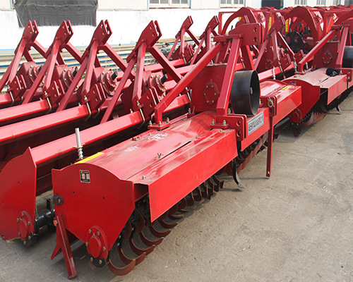 大型旋耕机